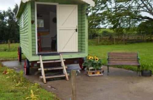 Last Minute Cottages - Shepherds Hut