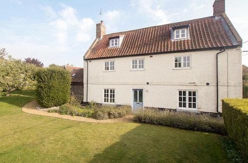Last Minute Cottages - Tasteful Holt Cottage S92768
