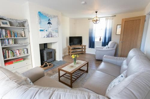 Last Minute Cottages - Cosy Porthleven Cottage S92844