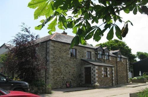 Last Minute Cottages - Treliver Farmhouse