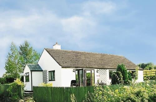Last Minute Cottages - CARMEL COTTAGE