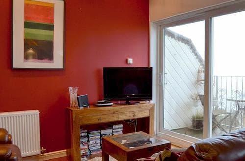 Last Minute Cottages - Quaint Shanklin Apartment S93773