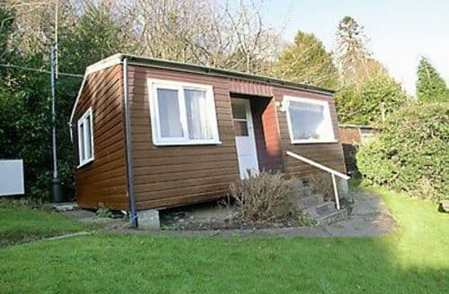 Last Minute Cottages - Delightful Colwyn Bay Lodge S22403