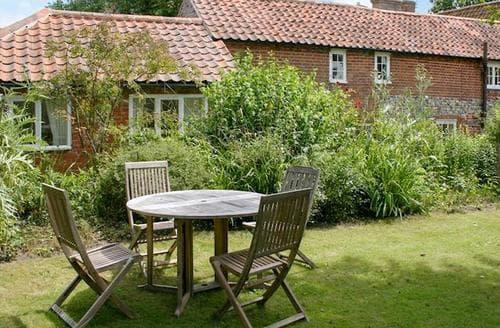 Last Minute Cottages - Stunning Halesworth Cottage S94043