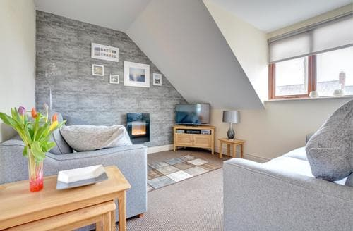 Last Minute Cottages - Attractive Narberth Apartment S94163