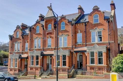 Last Minute Cottages - Attractive Whitby Apartment S94199