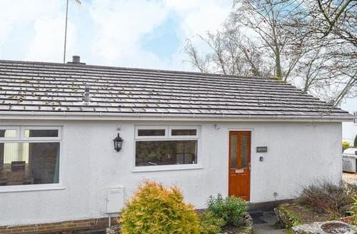 Last Minute Cottages - Charming Grange Over Sands Cottage S94309