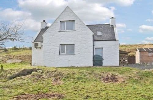 Last Minute Cottages - Cosy Portree Cottage S22519