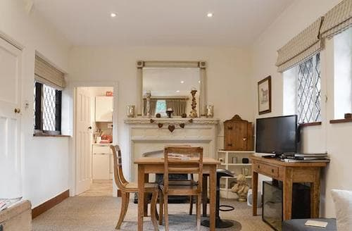 Last Minute Cottages - Cosy Oxford Cottage S94651