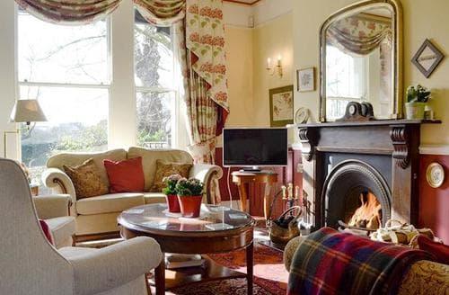Big Cottages - Tasteful Gloucester Cottage S94652