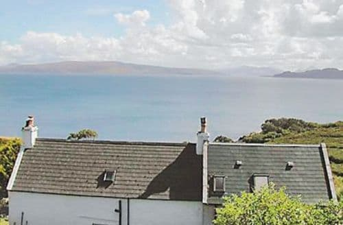Last Minute Cottages - Lovely Acharacle Cottage S22556