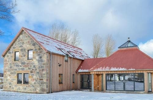 Last Minute Cottages - Charming Ballindalloch Lodge S94795