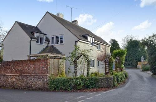 Last Minute Cottages - Wonderful West Meon Cottage S94864