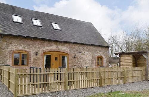 Last Minute Cottages - Stunning Stafford Cottage S95100