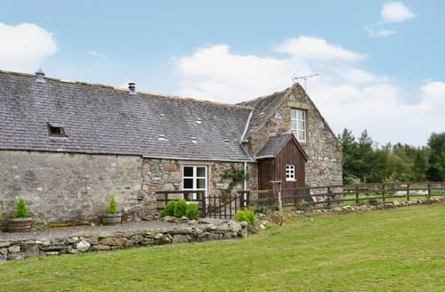 Big Cottages - WOODSIDE COTTAGE