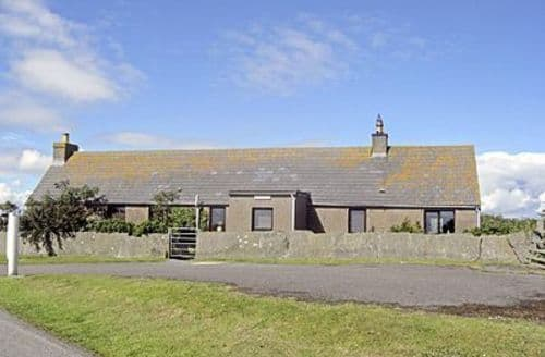 Dog Friendly Cottages - Captivating Wick Cottage S22896