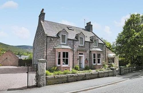 Last Minute Cottages - Superb Ballater Cottage S22905