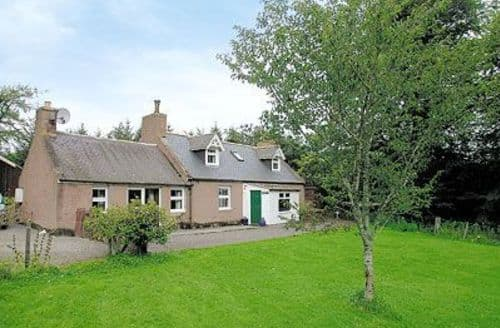 Last Minute Cottages - Cosy Ballater Cottage S22906