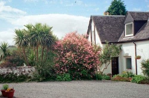 Big Cottages - Quaint Appin Cottage S22974