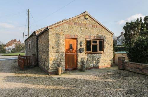 Dog Friendly Cottages - Splendid Snitterby Cottage S94844