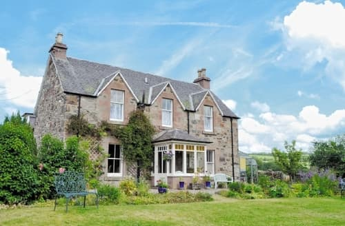 Last Minute Cottages - NEWMILL HOUSE