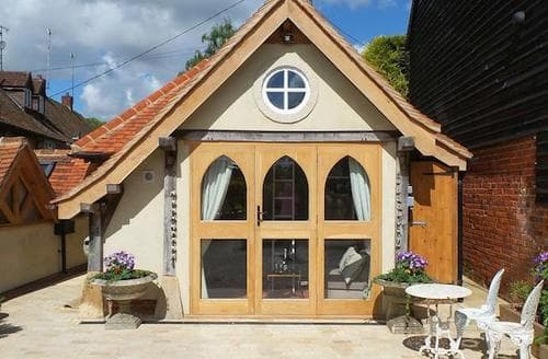 Last Minute Cottages - Luxury All Buckinghamshire Cottage S96719