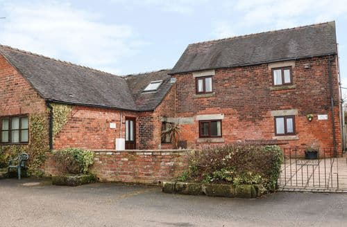Last Minute Cottages - Tasteful Stoke On Trent Cottage S96898