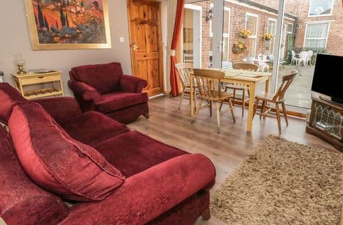 Last Minute Cottages - Luxury Stockton On The Forest Cottage S96950