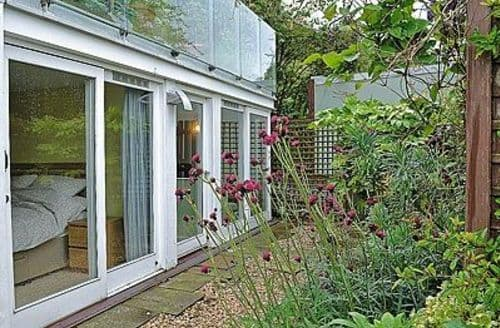 Last Minute Cottages - COLINTON GARDEN FLAT