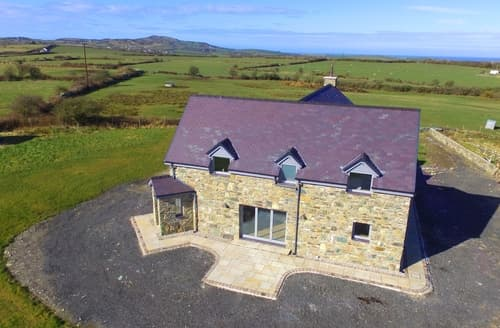 Big Cottages - Superb Cemaes Cottage S97769