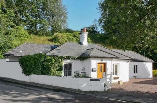 Last Minute Cottages - Splendid Biggar Lodge S23540