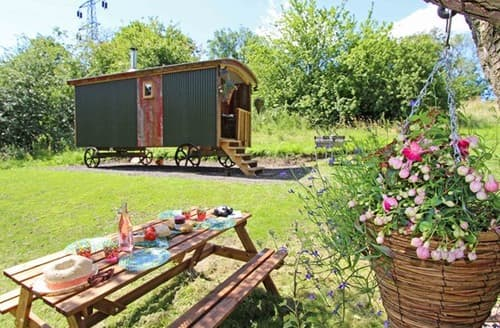 Last Minute Cottages - Excellent Winlaton Mill Log Cabin S97938