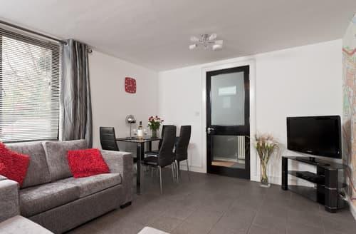 Last Minute Cottages - Beautiful Jesmond Apartment S97956