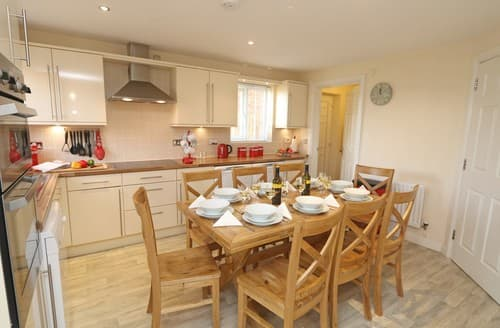Big Cottages - Charming Chathill House S98025
