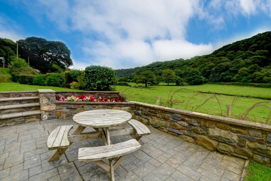 Large Holiday House in the Gwaun Valley