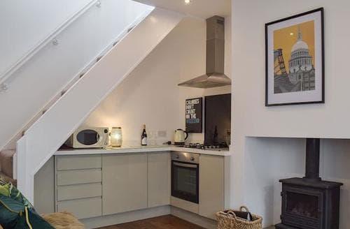 Last Minute Cottages - Beautiful Lytham St Annes Cottage S98098