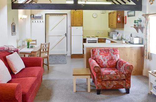Last Minute Cottages - Luxury Brompton Apartment S98116