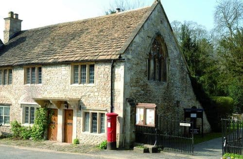 Last Minute Cottages - Charming Wiltshire Cottage S41810