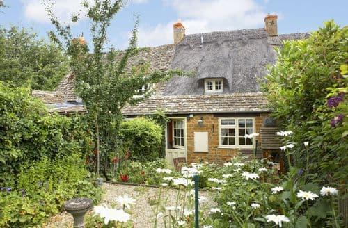 Last Minute Cottages - Lovely Ebrington Cottage S41751