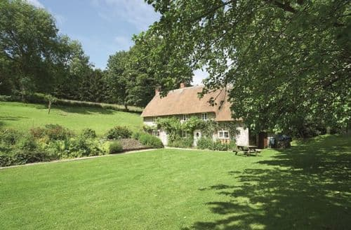 Last Minute Cottages - Inviting Ashmore Cottage S44811