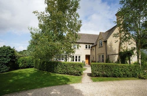 Big Cottages - Cosy Clanfield Cottage S44897