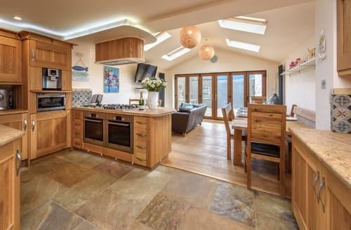 Last Minute Cottages - Cosy Mynytho Cottage S98281