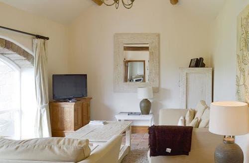 Last Minute Cottages - Lovely Brassington Lodge S98292