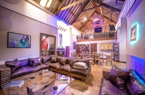 Big Cottages - Attractive Wellington Cottage S98327