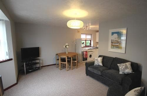 Last Minute Cottages - Splendid West Cornwall Apartment S75554