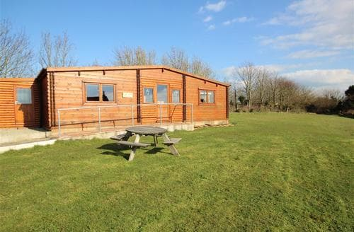 Last Minute Cottages - Superb South Cornwall Lodge S45094