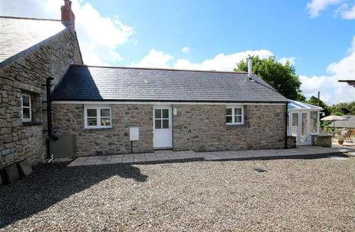 Last Minute Cottages - A Bit On The Side