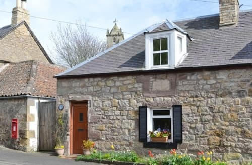 Last Minute Cottages - Luxury Duns Cottage S23755