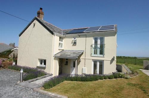 Last Minute Cottages - Charming Cawston Rental S11952