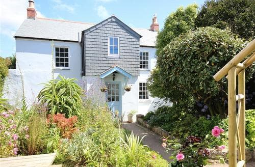 Last Minute Cottages - Cosy West Cornwall Cottage S38106